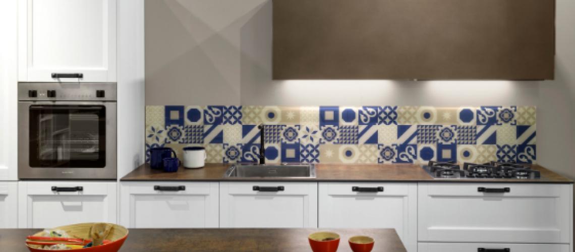 Immagine Cucina Scandola con Piano di lavoro in materiale ceramico disponibile presso Arredamenti Boagno a Savona