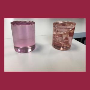 resine di agglomerato di quarzo: a sinistra quella di qualità alta