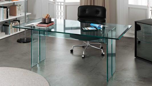 Immagine scrivania in vetro Fiam Arredamenti Boagno Savona