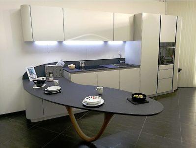 Cucina_Snaidero_OLA20_laccato_opaco_micalizzato_con_penisola_design_Pininfarina (1)